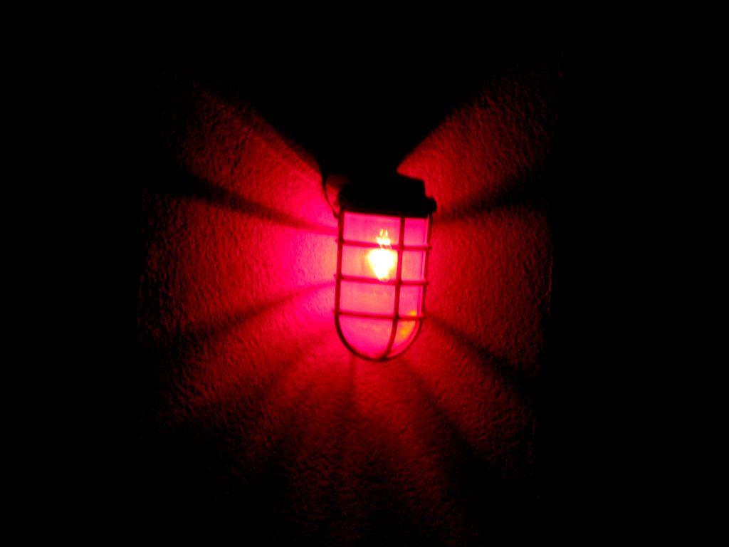 Rotlicht steht für das Rotlichtmilieu.