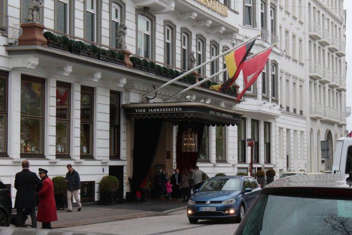 """Hotel """"Vier Jahreszeiten"""" soll Trump und Putin abgelehnt haben"""