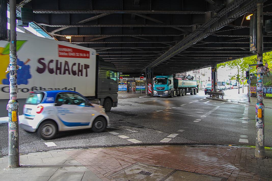 Die Max-Brauer-Allee gehört zu den am stärksten von Radfahrern genutzen Straßen Hamburgs. Foto: Julian Kornacker
