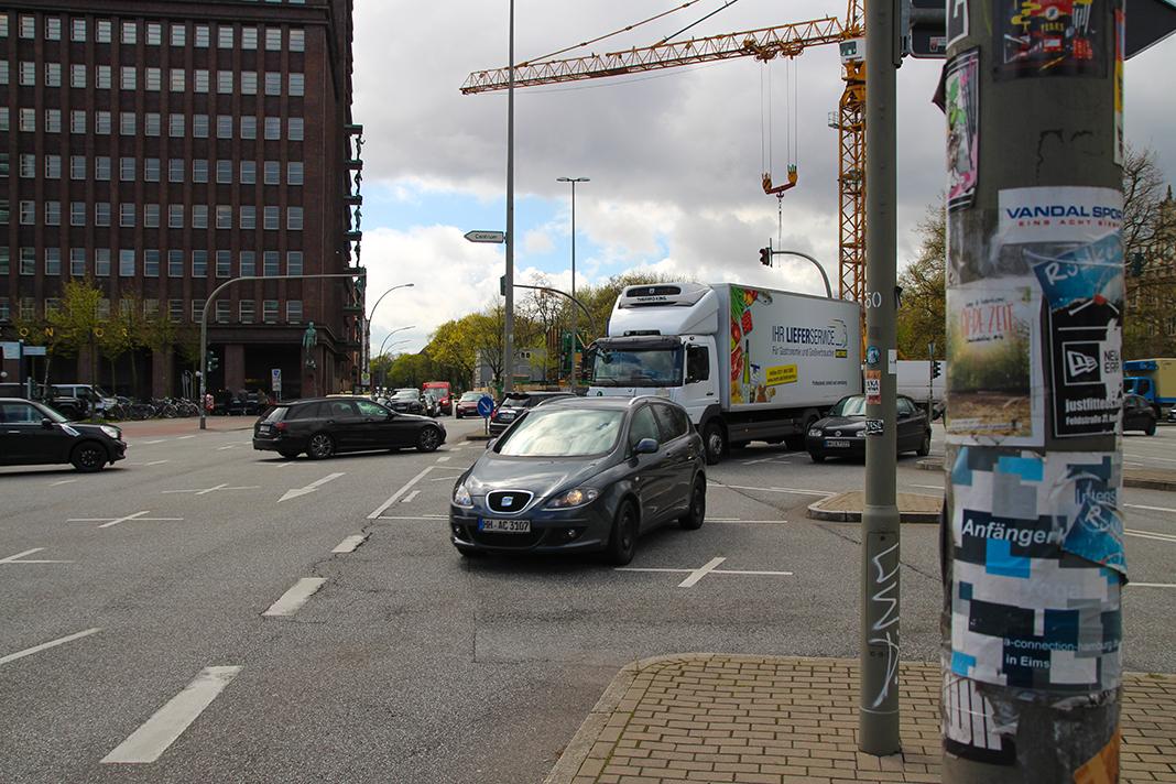 Auch am neu umgebauten Sievekingplaz häufen sich weiterhin die Fahrradunfälle.