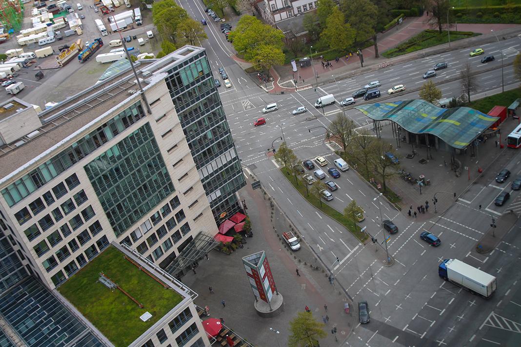 Die Kreuzung am Millerntorplatz gehört zu den gefährlichsten Ecken für Radfahrer. Foto: Christoph Petersen