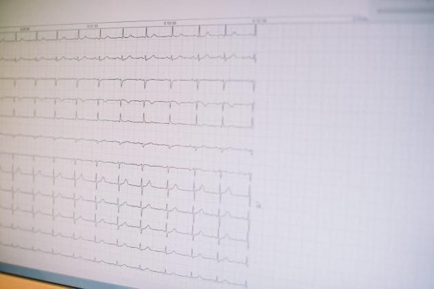 Station 7: EKG, Größenmessung, Wiegen