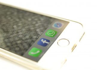 Aufgrund falscher Angaben bei der Fusion mit WhatsApp muss Facbeook nun eine hohe Strafe zahlen.