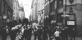Schlange Vorverkaufskarten Elbphilharmonie