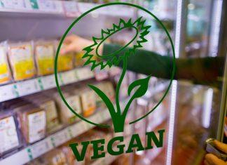 Kühlschrank-mit-veganen-Produkten