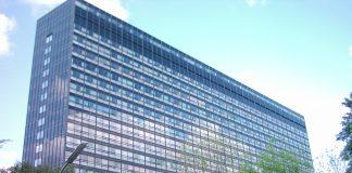 Die Fassade eines Asklepios Klinikums