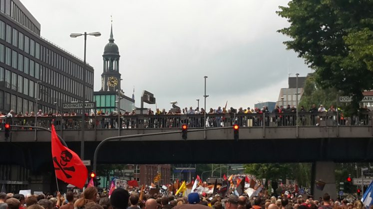 """""""Grenzenlose Solidarität statt G20"""". Foto: Martin Tege"""
