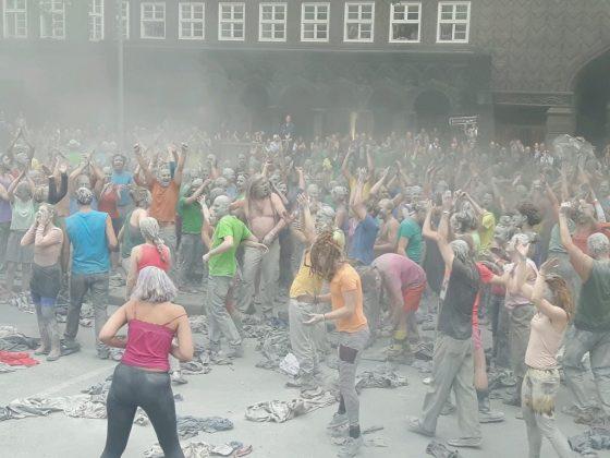 """Kunstprotest """"1000 Gestalten"""". Foto: Christina Höhnen."""