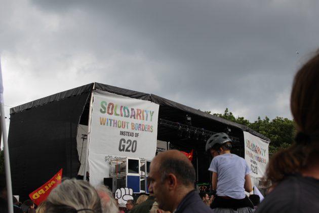 """""""Grenzenlose Solidarität statt G20"""". Foto: Christina Höhnen."""