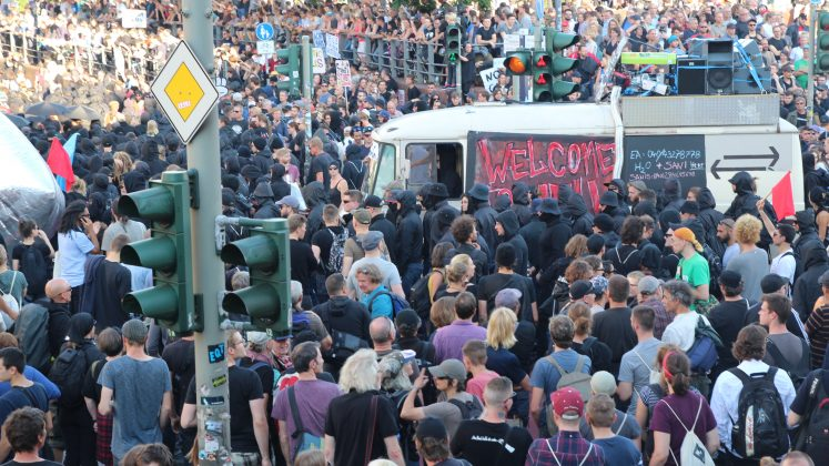 """Welcome to Hell""-Demo am Fischmarkt. Foto: Mats Mumme."