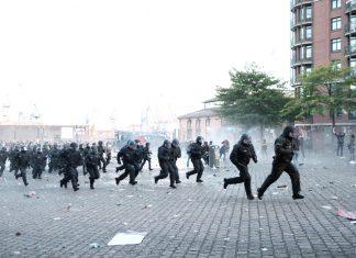 Polizei während Welcome to Hell demo G20
