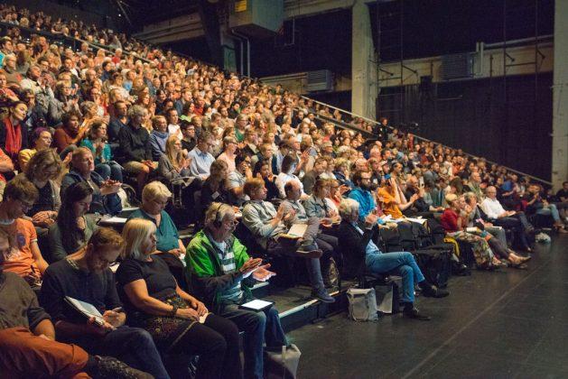 Alternativgipfel-Publikum-Gipfel-für-globale-Solidarität-G20-Hamburg