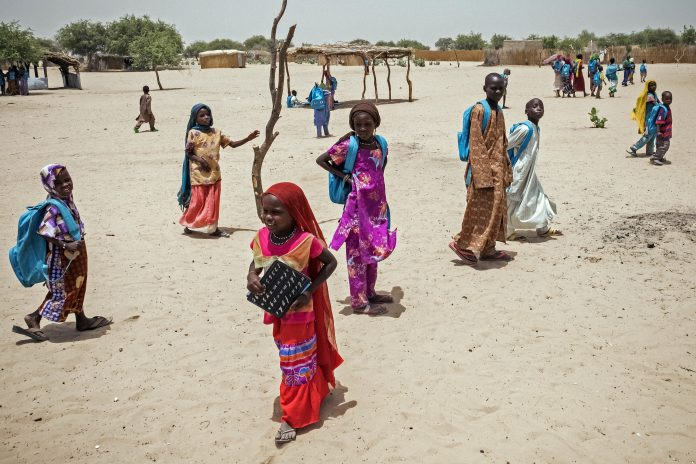 Schüler in Tschad. Foto: © UNICEF/Sokhin