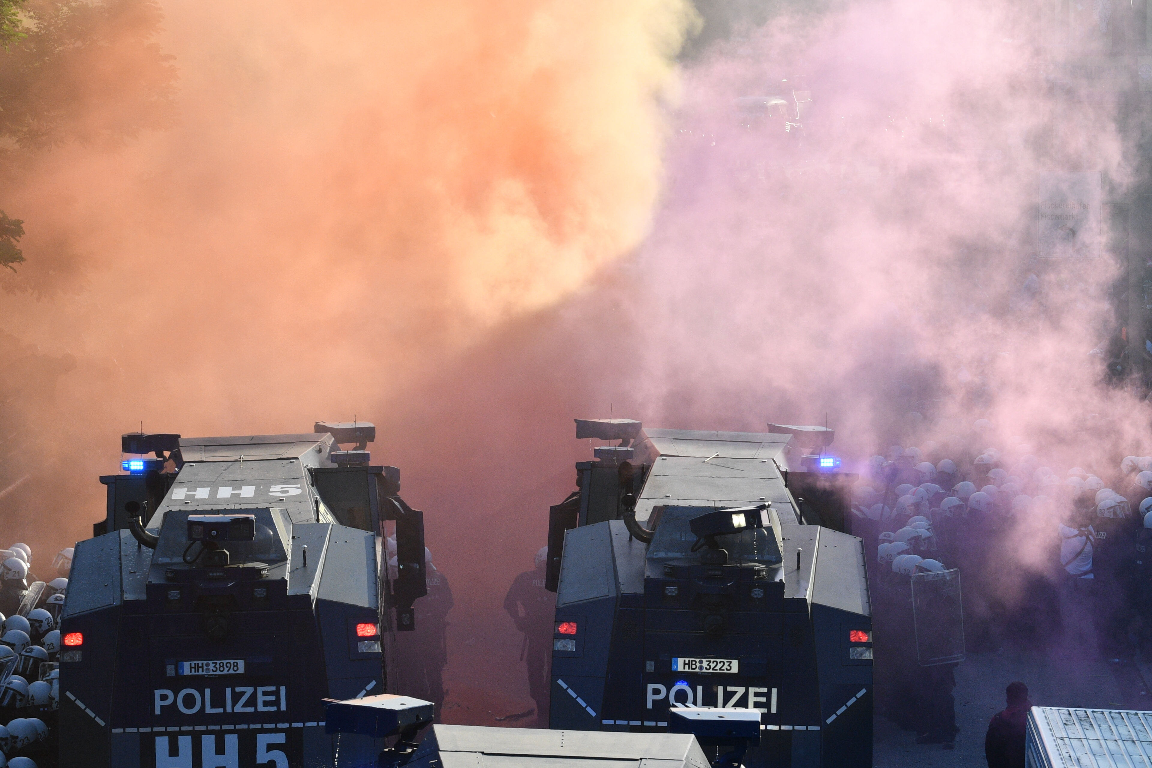 """G20 Protestmarsch """"Welcome to hell"""""""