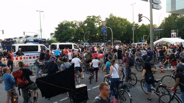 "Fahrraddemo ""Colorful Mass"". Foto: Jan Siemers"