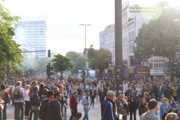 """Partyprotest bei """"Lieber tanz' ich als G20"""". Foto: Martin Tege."""