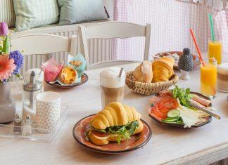 Frühstückstisch in der Pampi. Foto: Die Pampi