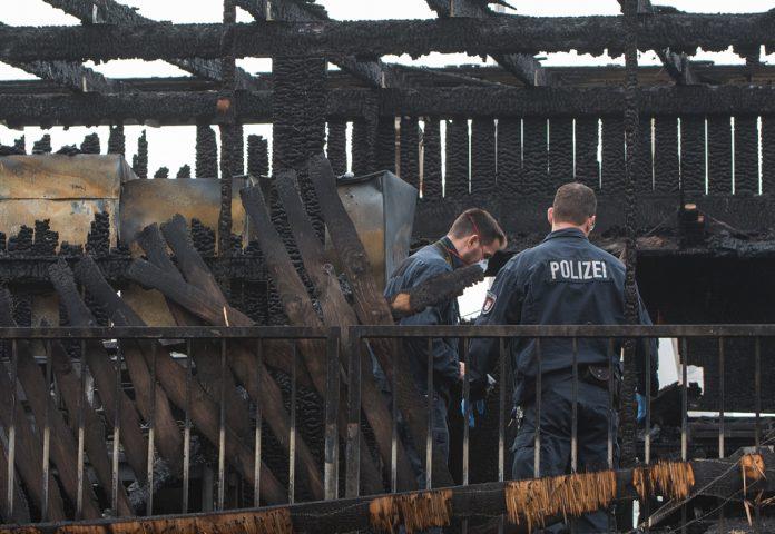 Hamburger-Beach-Club-Del-Mar-Feuer-Polizei