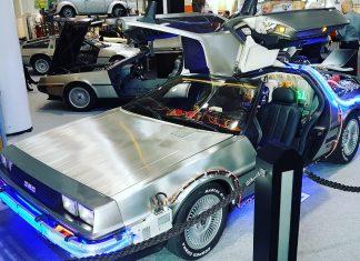 """Ein Highlight der Messe: Ein nach Vorbild der """"Zurück in die Zukunft""""-Reihe umgebauter DeLorean. Foto: Jan Siemers"""