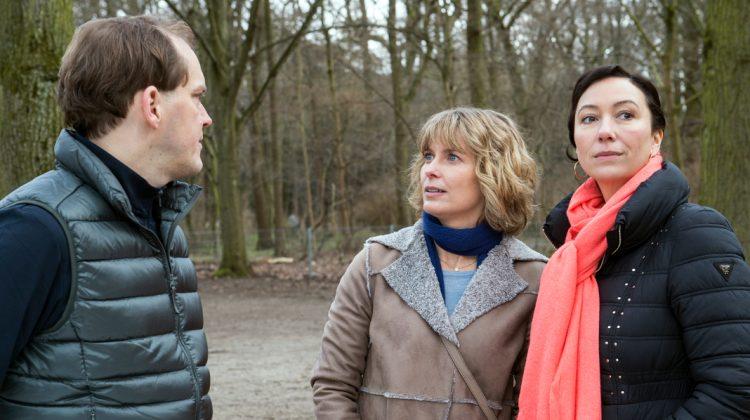 Andrea Bredow verteidigt Judith auch gegenüber ihrem Mann.