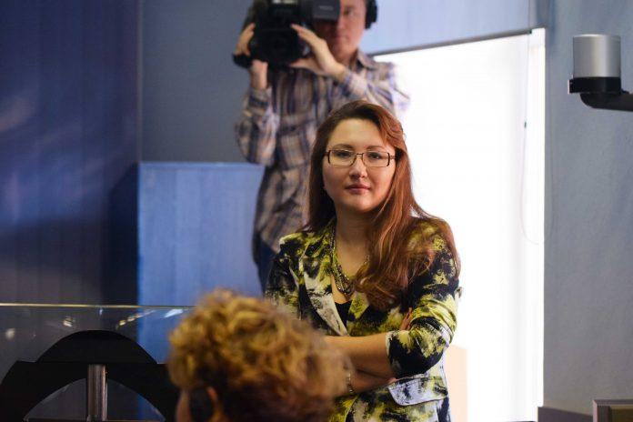 Prof. Dr. Svetlana Bodrunova während eines Vortrags.