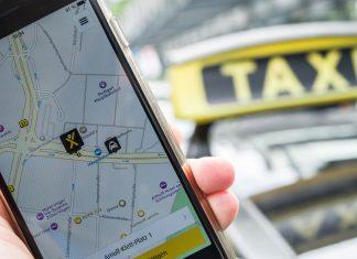 Mit den Apps von mytaxi und der Taxizentrale Hansa-Taxi können sich Fahrgäste nun zusammentun und die Beförderungskosten teilen. Foto: Wolfram Kastl/dpa