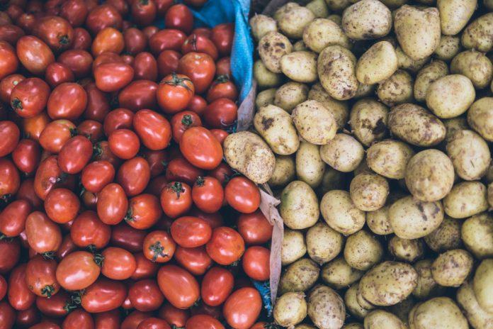 Tomaten und Kartoffeln