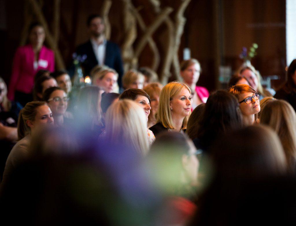 Bei den Alsterloge-Treffen gibt es neben der Zeit zum Netzwerken auch Vorträge von verschiedenen Speakern. Foto: Nico Paetzold