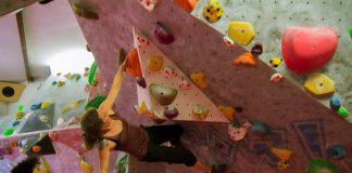 Bouldern im Schaufenster Yasmin und Katharina