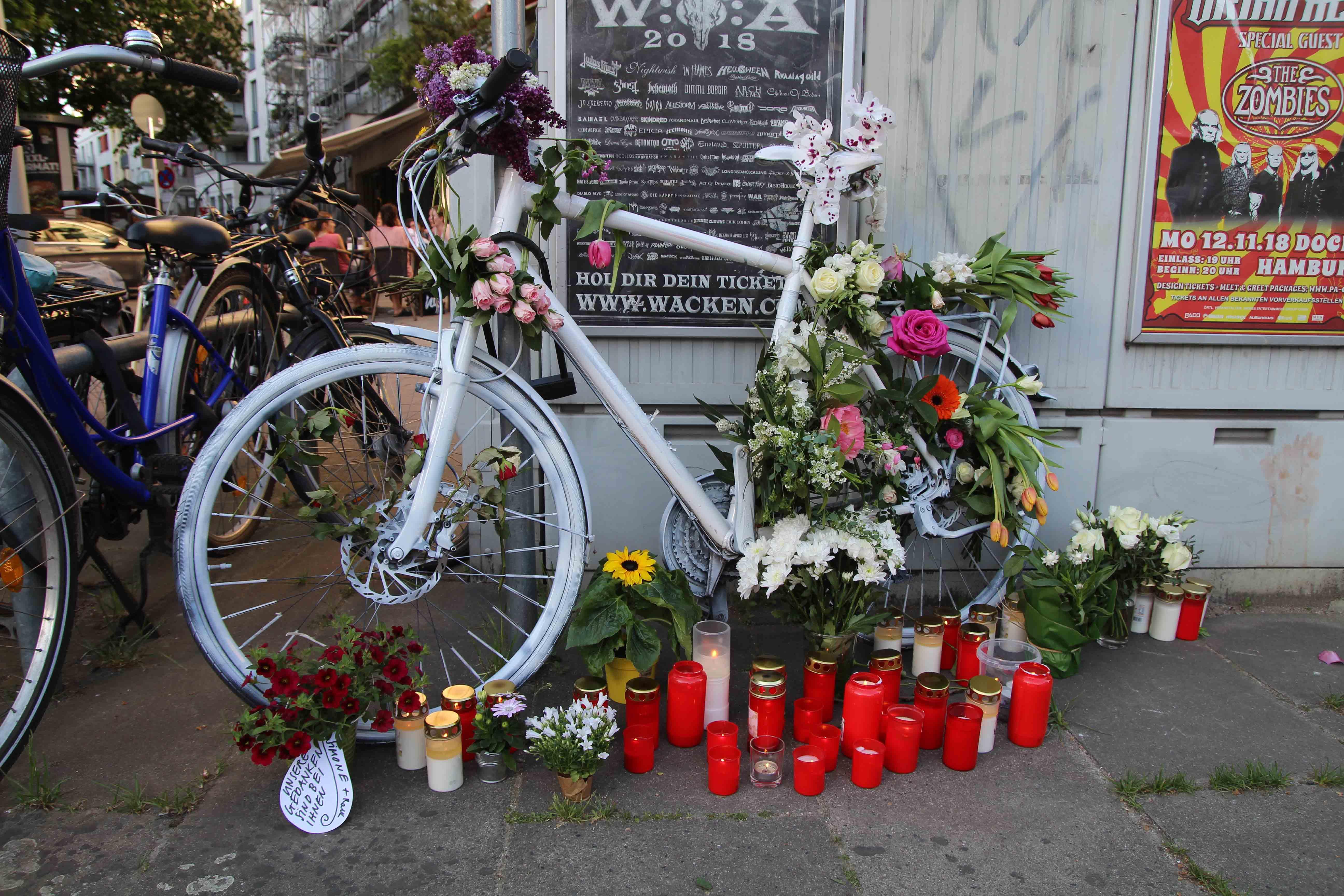 Frau stirbt bei Verkehrsunfall in Eimsbüttel   FINK.HAMBURG