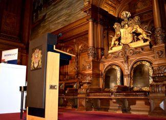 Der Mediendialog fand im großen Festsaal statt.