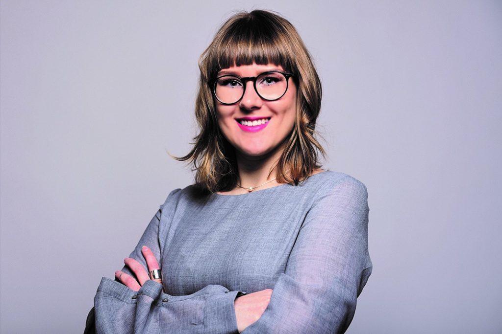 Sara Lagodni hat an der HAW Hamburg Multichannel Trade Management in Textile Business studiert. Für ihr praktisches Konzept dazu, wie große Modeunternehmen nachhaltiger werden könnten erhielt sie kürzlich den Förderpreis der Wilhelm Lorch Stiftung.