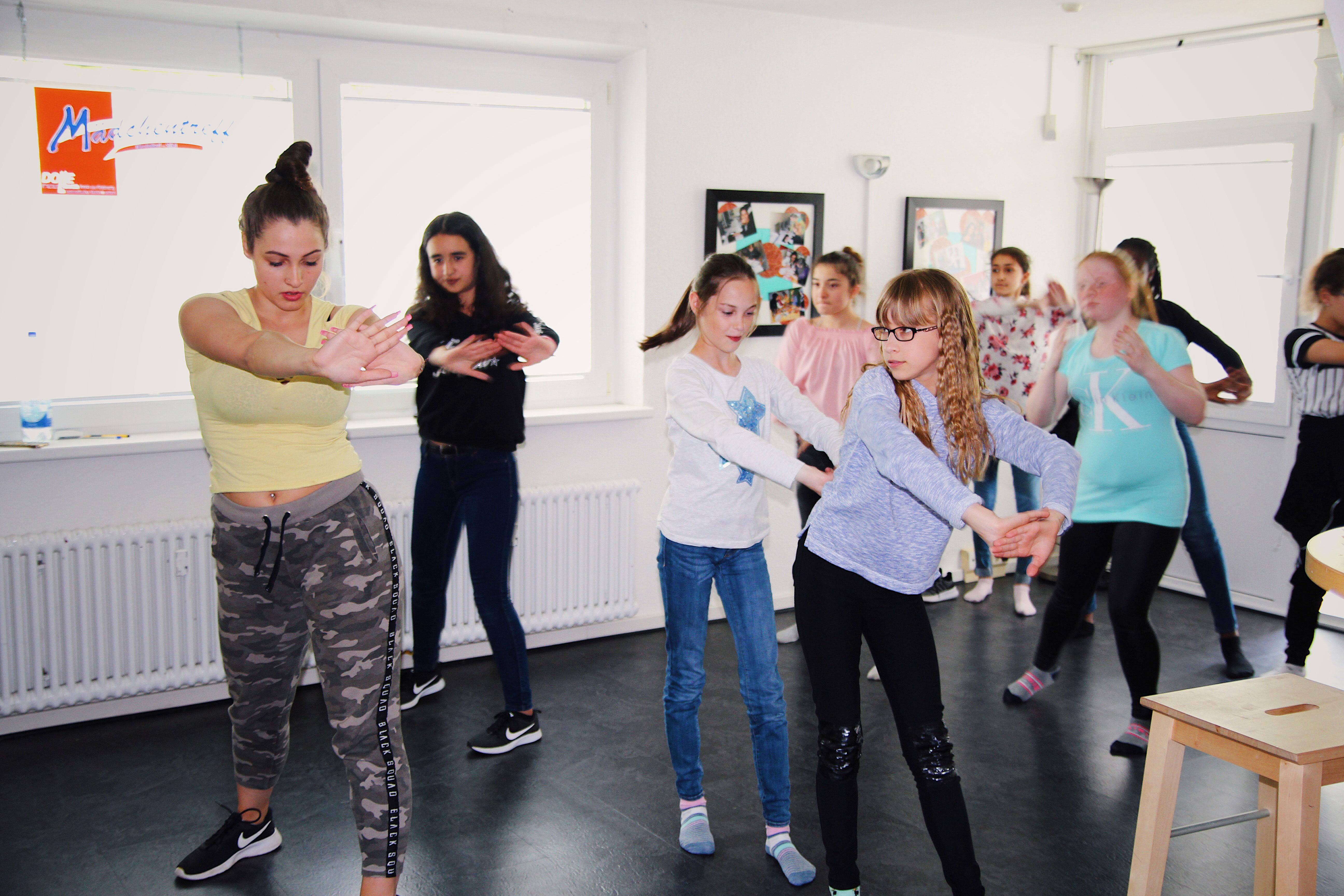 Die Mädchen im Mädchentreff Kirchdorf Süd haben die Möglichkeit an Tanzstunden teilzunehmen. Foto: Luisa Höppner