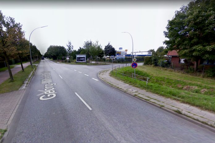 An der Kreuzung Pollhornbogen/Georg-Wilhelm-Straße war die Straßendecke durch die Gasexplosion etwa einen halben Meter angehoben worden.