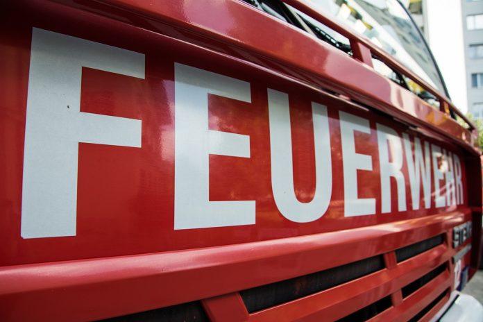 Feuerwehr nach Brandanschlägen im Einsatz