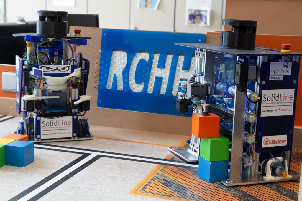 Die beiden Roboter vom RCHH – ChefOtter und MaxOtter.