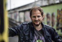 """Aljoscha Pause – Der Regisseur von """"Being Mario Götze""""."""