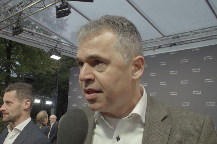 Andreas rettig im Interview am Roten Teppich beim Film