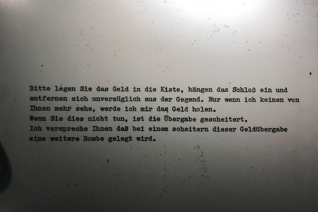 """Polizeimuseum: Eine drohende Aufforderung des Kaufhaus-Erpressers """"Dagobert"""". Foto: Shahrzad Rahbari"""