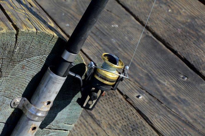 Ein Metallangler hat eine Minengranate in der Alster gefunden. Symbolfoto: Pixabay