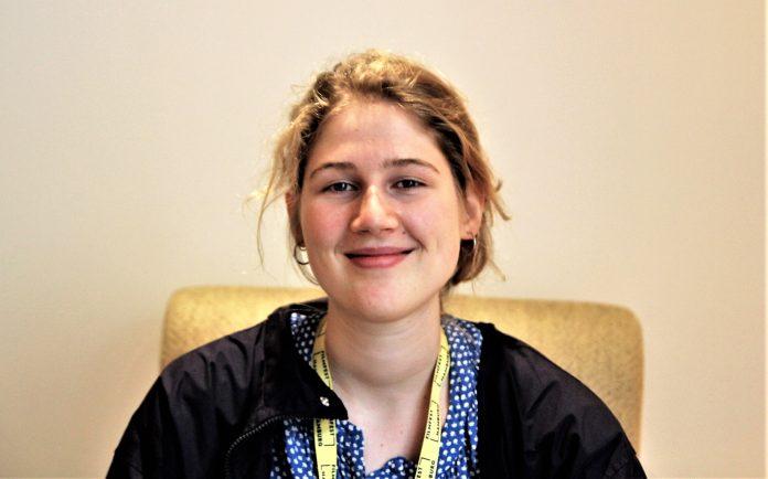 Gästebetreuerin Pauline Lieben. Foto: Hannah Lesch