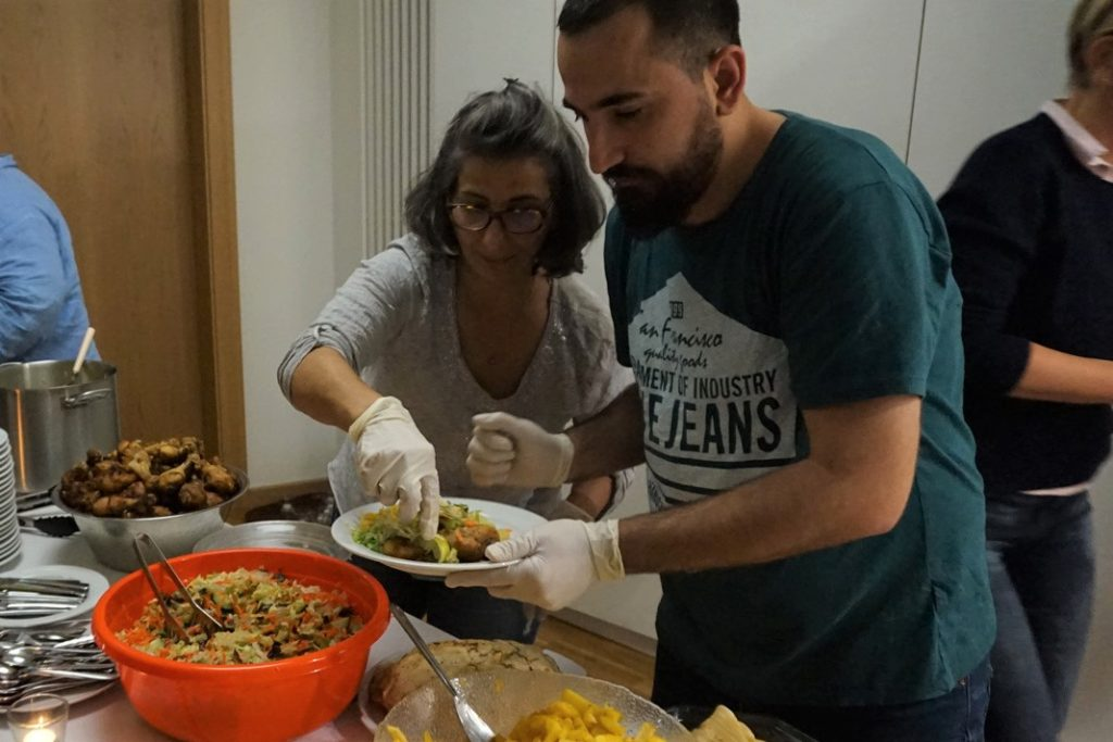 Somalisches Essen beim Heimatfilmabend Ostafrika