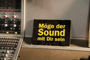 Postkarte mit dem Spruch Möge der Sound mit dir sein im Sound Design Tonlabor