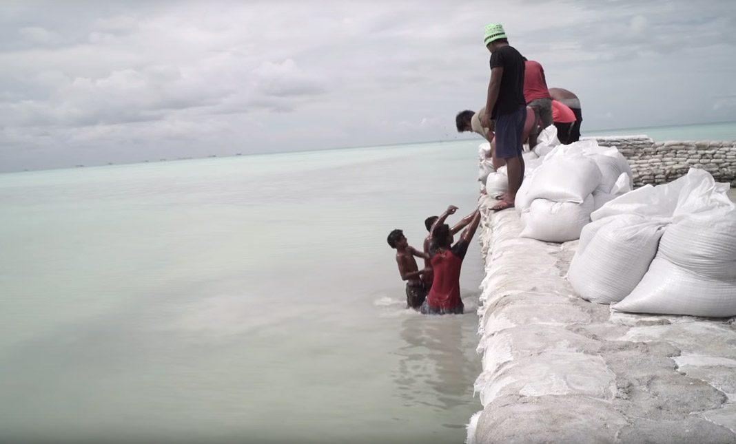 Im Inselstaat Kiribati wird es bald kein trockenes Fleckchen mehr geben. Screenshot: Anote's Ark