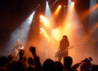 """Die """"Band of Skulls"""" bei ihrem Auftritt im Gruenspan. Foto: pred2k (CC BY-SA 2.0)."""