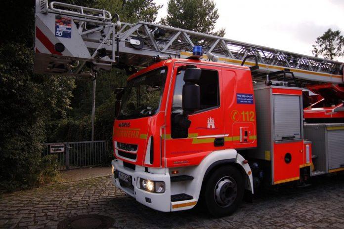 Die Feuerwehr rettete 22 Menschen aus einem brennenden Haus in Billstedt. (Symbolbild) Foto: Melina Deschke.