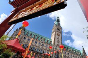 Hamburg Summit: China ist für den Hamburger Hafen der wichtigste Handelspartner. Hamburg Invest zufolge haben mehr als 550 chinesische Firmen einen Standort in Hamburg. Foto: www.mediaserver.hamburg.de / Christian Spahrbier
