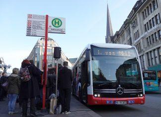 Hamburg hat heute seinen ersten Elektrobus in Empfang genommen. Foto: Hannah Wagner/dpa