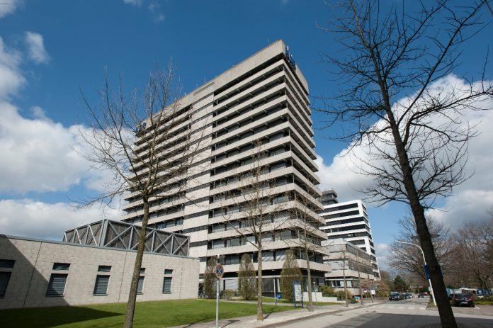 In Haus 11 des Norddeutschen Rundfunks auf dem Gelände in Hamburg-Lokstedt wurde Asbest gemessen. 300 Arbeitsplätze werden temporär verlegt. Foto: NDR/Gita Mundry
