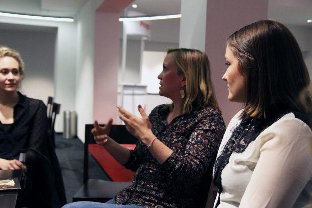 Sandra Meyer koordiniert seit drei Jahren Uni trifft Theater und diskutiert selbst gerne mit. Foto: Nadine von Piechowski